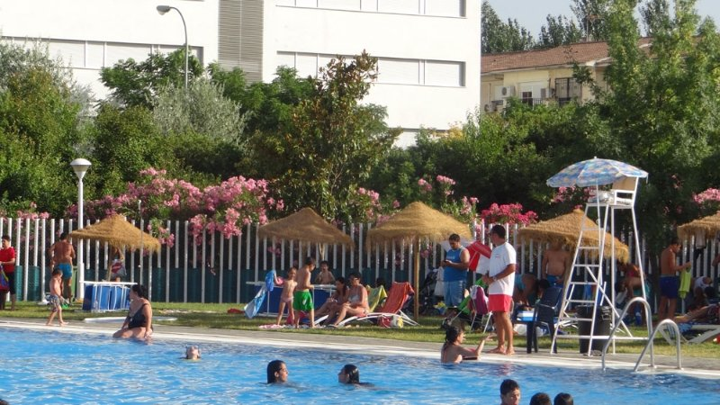 piscina de almanj yar granada