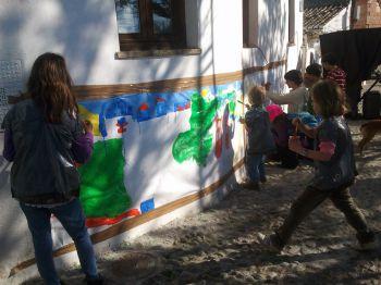 Los vecinos del Sacromonte han organizado esta mañana distintas actividades lúdicas para reclamar al Ayuntamiento de Granada un parque público.