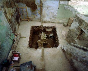 El proyecto para recuperar los baños árabes de Hernando de Zafra, en el Albaicín, se encuentra parado ocho años después de que se anunciara su rehabilitación.