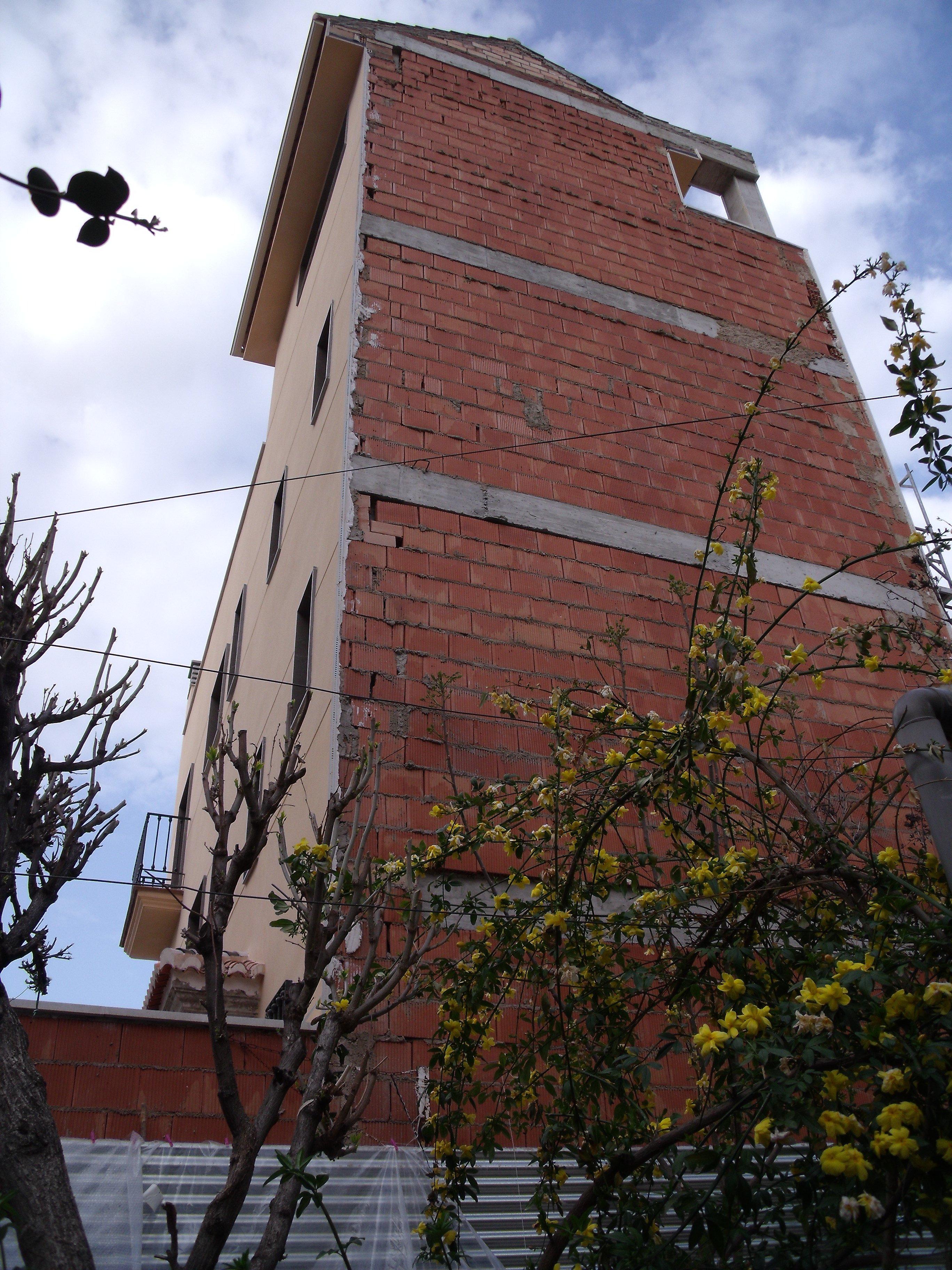 Ladrillos en ciudad jard n en el zaid n for Ciudad jardin granada