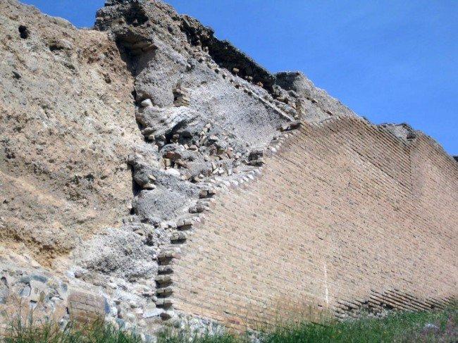 Expolio de la muralla zirí