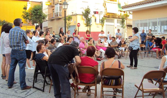 Reunión de la plataforma ciudadana 'No al cierre de la biblioteca'.