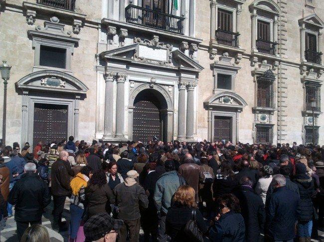 concentración de apoyo a Garzón-Granada