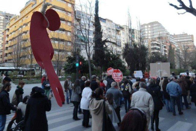 Muñecos semáfotos protesta Stop Desahucios Granada