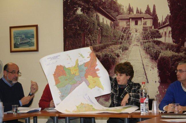 Gran parte de la chana pertenece al distrito ronda desde 1984 for Piscina municipal la chana granada