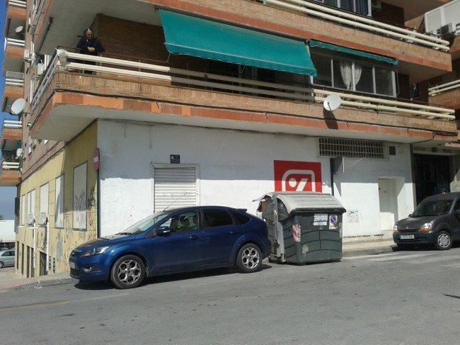 Contenedor en la calle Teófilo Gautier