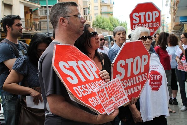 Movilización de Stop Desahucios frente a Barclays.