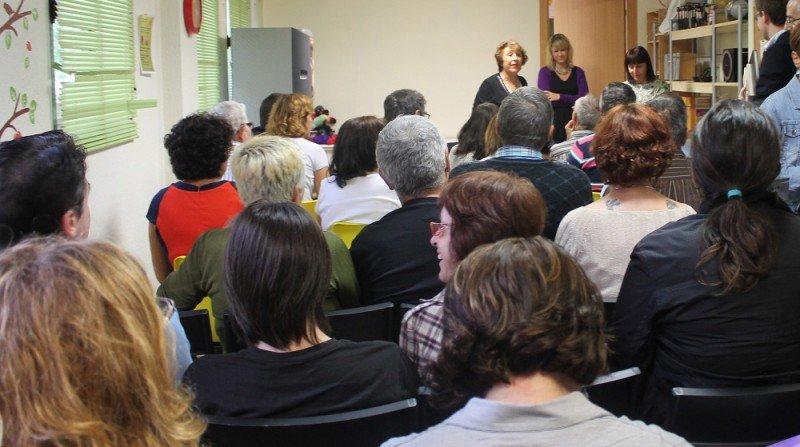 La asociación de bipolares de Granada, con sede en el Zaidín, realiza una importante labor de apoyo e información a familiares y pacientes con este trastorno. Este 10 de octubre celebra el Día Mundial de la Salud Mental coincidiendo con su quinto aniversario.