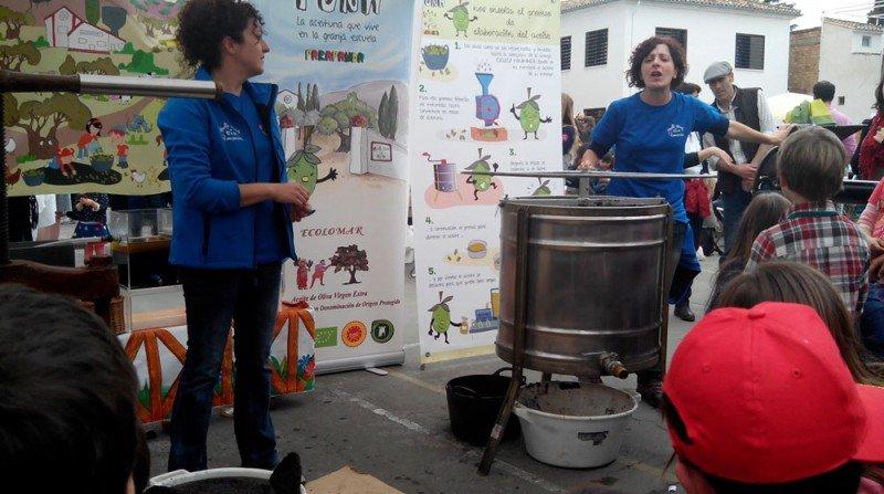 mercado ecológico, taller de aceite, colegio Gómez Moreno