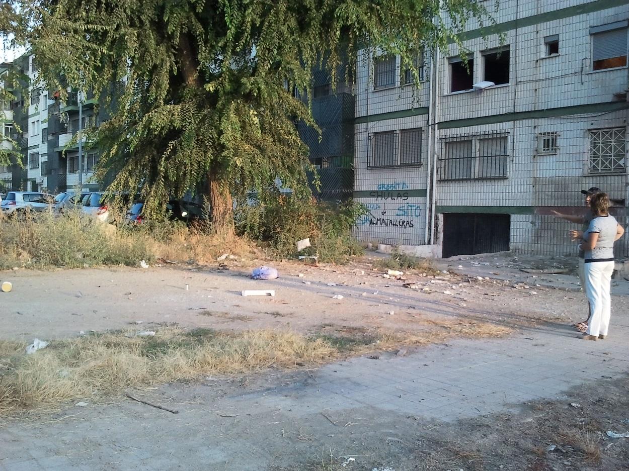 Ministerio de fomento granadaimedia for Piscina municipal granada