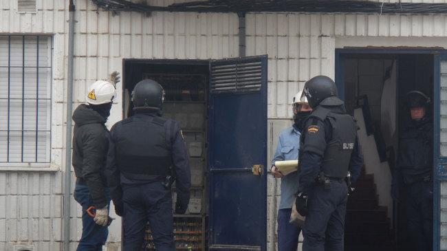 operativo contra los enganches ilegales en Norte (molino nuevo)