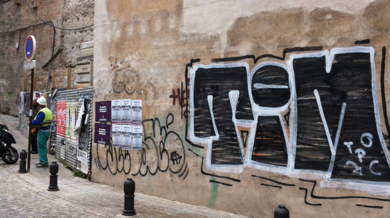 carteles, Podemos, valla metálica