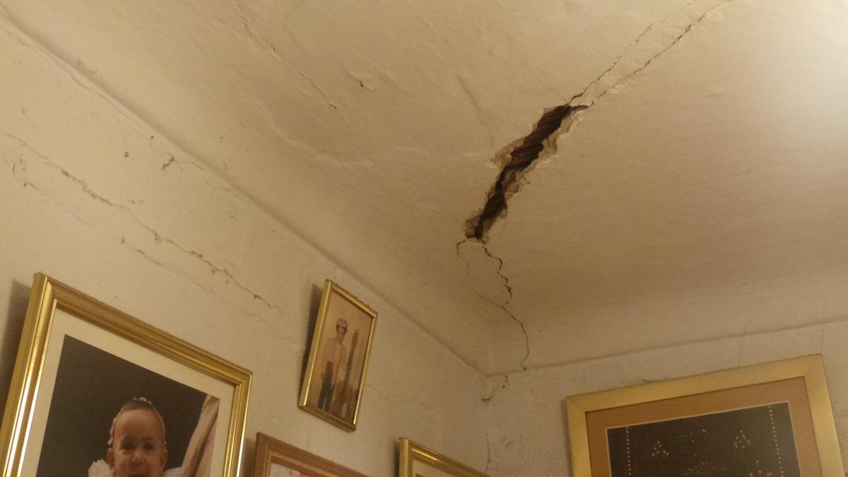 los propietarios abandonan la casa del aire
