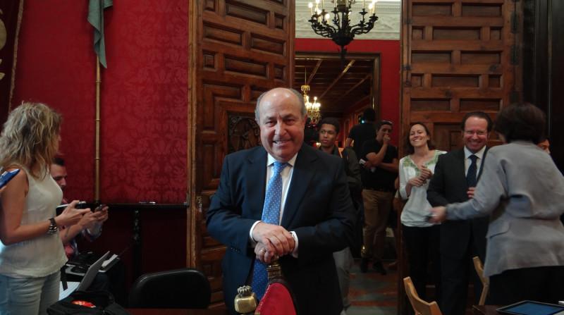 pacto de gobierno ciudadanos pp granada alcalde torres hurtado