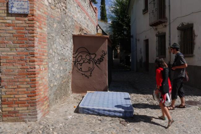 Firma en la calle Capellanes (Foto: M. Yeste)