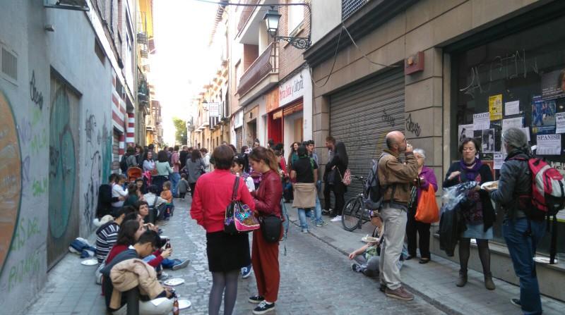 Ambiente en la calle del Mercao Social y Cultural de Granada