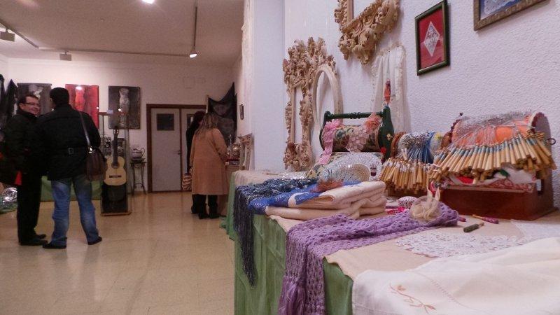 Encajes de bolillos de la Asociación de Mujeres Encajeras.