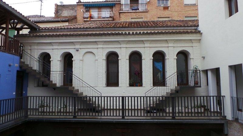 La parte superior de uno de los edificios originales que se ha logrado recuperar.