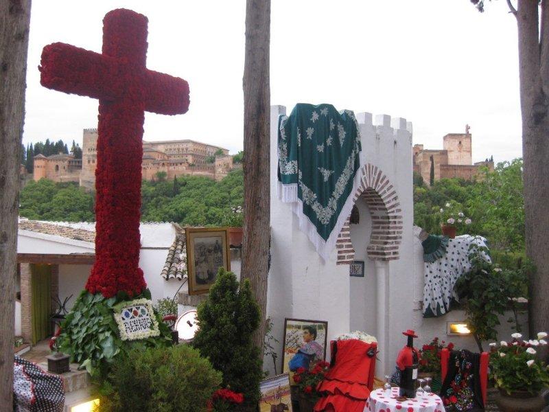 La Cruz de los empresarios del Albaicín