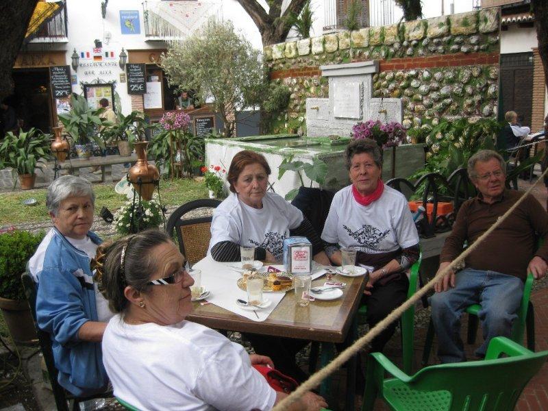Mujeres de la Asociación Cruz de Mayo
