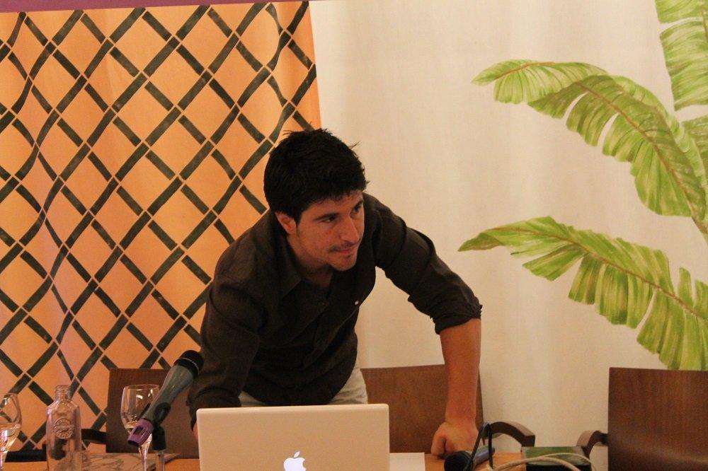 Alberto Funes prepara su ponencia