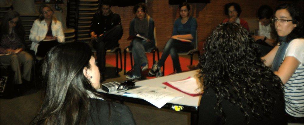 Reunión de técnicos y voluntarios en el centro cívico