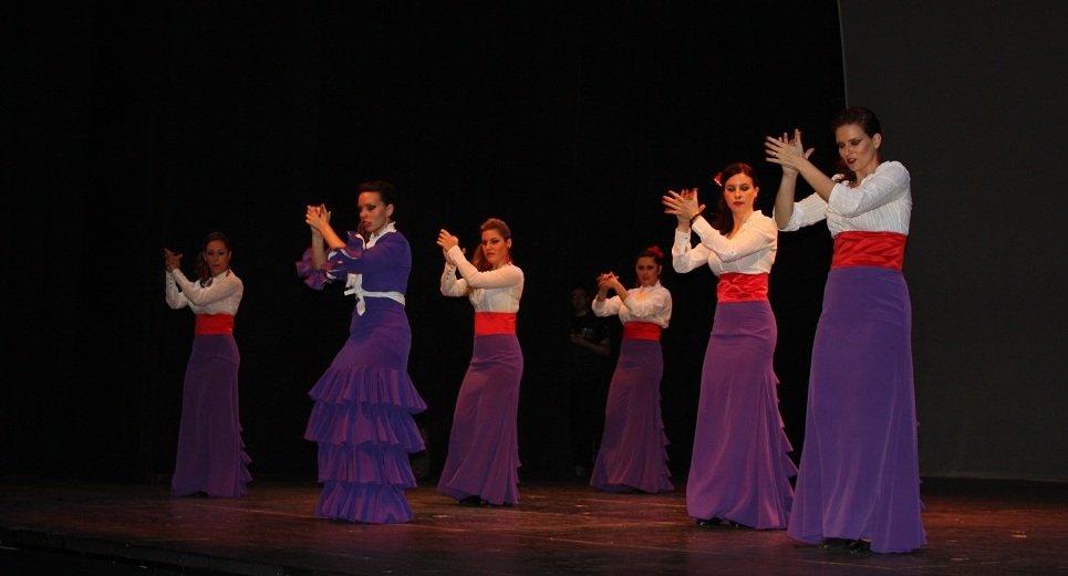 I Festival de Baile de la Asociación de Vecinos Cerrillo de Maracena-Los Barrios