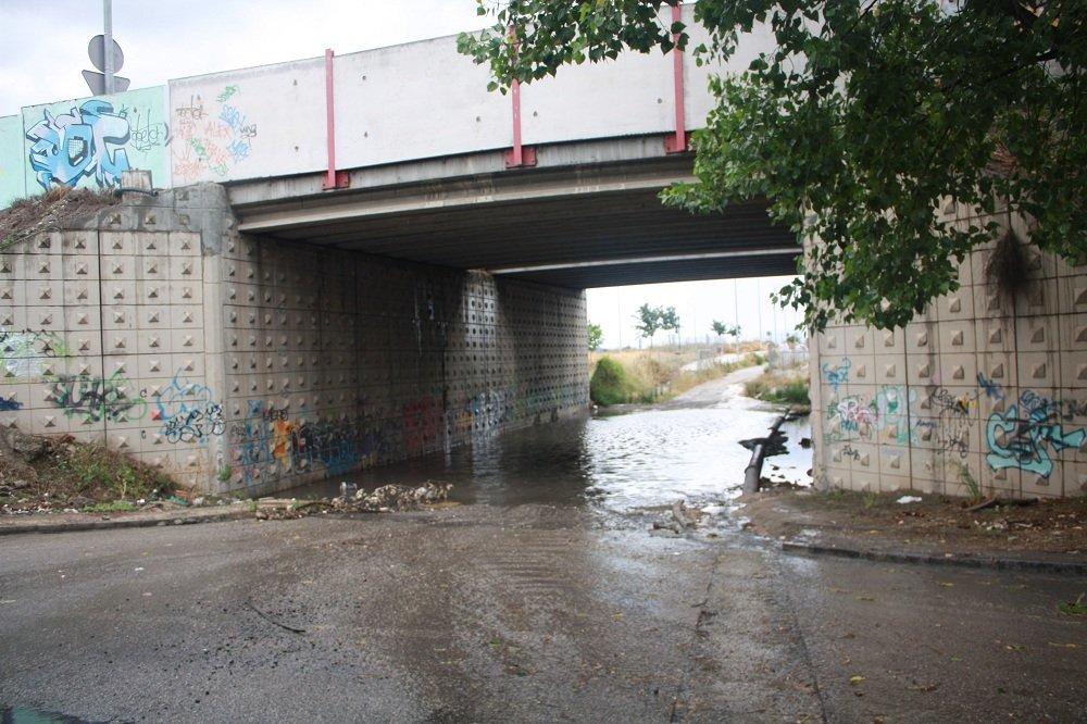 Puente bajo la A-44 a la entrada del Cerrillo de Maracena