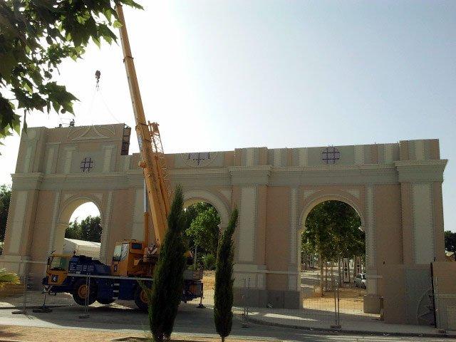 Desmontaje del ferial de Almanjáyar, en junio de 2011.