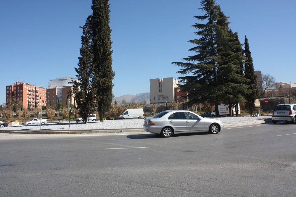 Rotonda de la Avenida de Andalucía que conecta la Chana con el Cerrillo de Maracena
