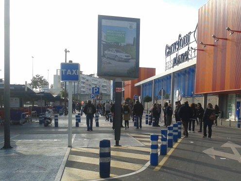 Piquete informativo en Carrefour.