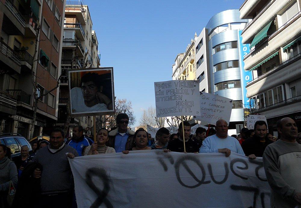 Manifestación vecinos zona Norte Granada tras doble asesinato en Rey Badis