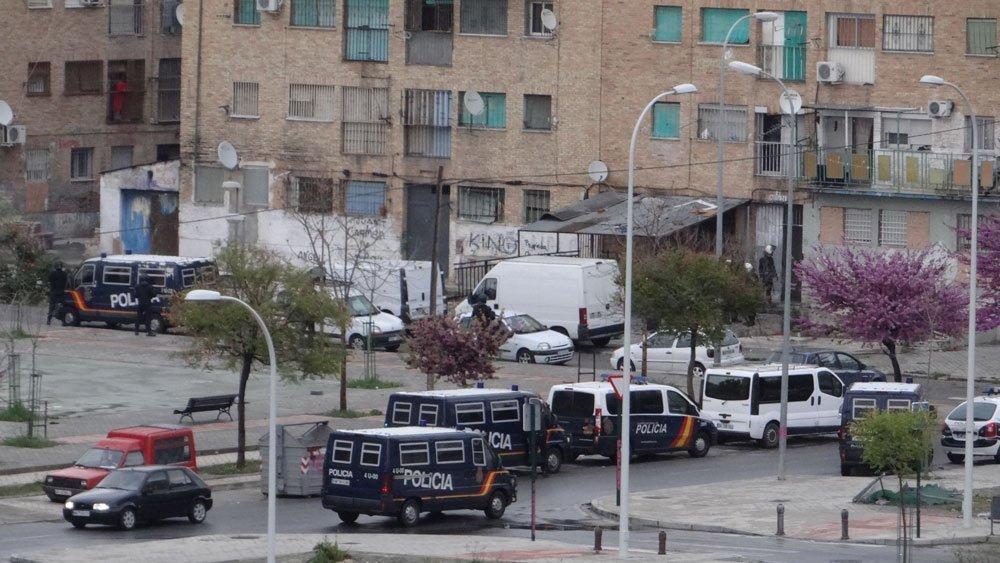 Despliegue policial en Las Parcelas. Detenciones mocos