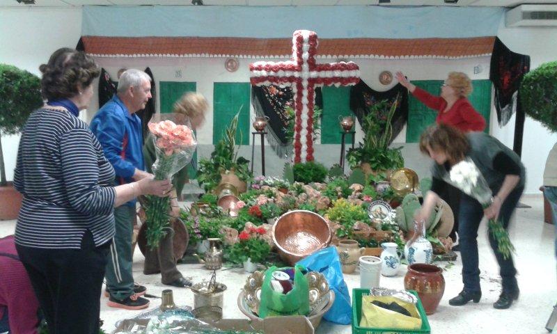 El Zaidín se prepara para celebrar el Día de la Cruz.