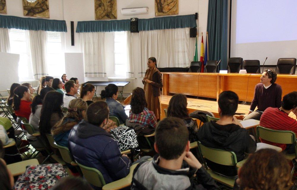 Fundación Vicente Ferrer en el IEs Virgen de las Nieves de la Chana
