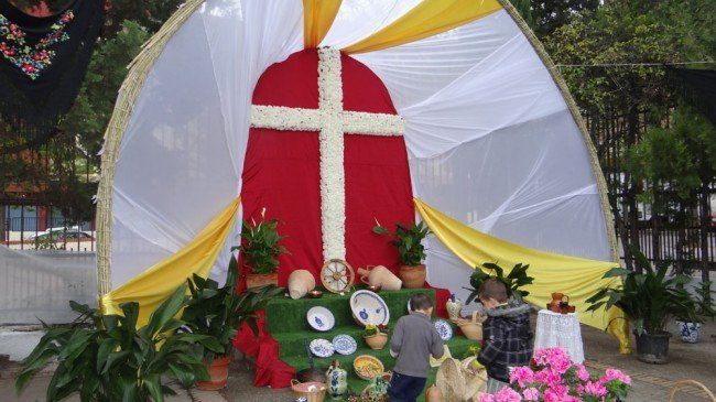 cruces de mayo granada cruz de parados de casería de montijo