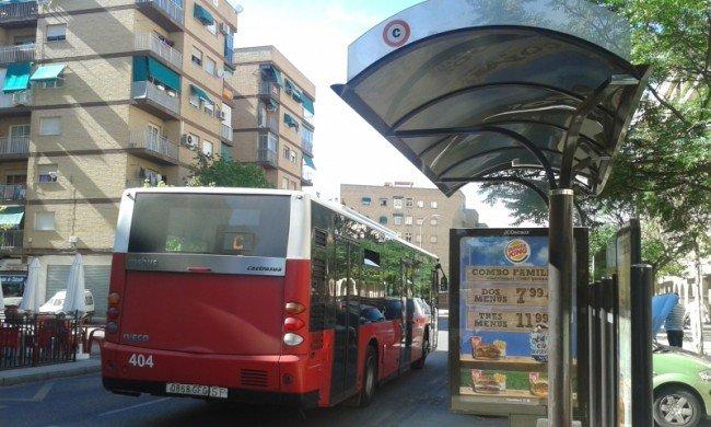 La línea C sigue pasando por la calle Pintor Maldonado en el trayecto de vuelta.