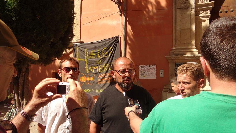 Isaac, Santiago y Alberto parados casería de montijo fin del encierro en la Curia