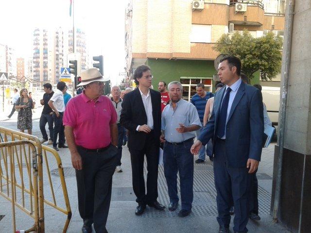 Pepe Yáñez, miembro de la asociación de vecinos del Zaidín, Manuel Morales y Antonio Tellado.