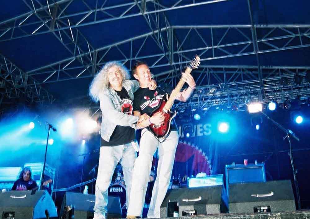 Concierto de Los Suaves, uno de los grupos que actuará en el Zaidín Rock este año. Vía Metaltrip