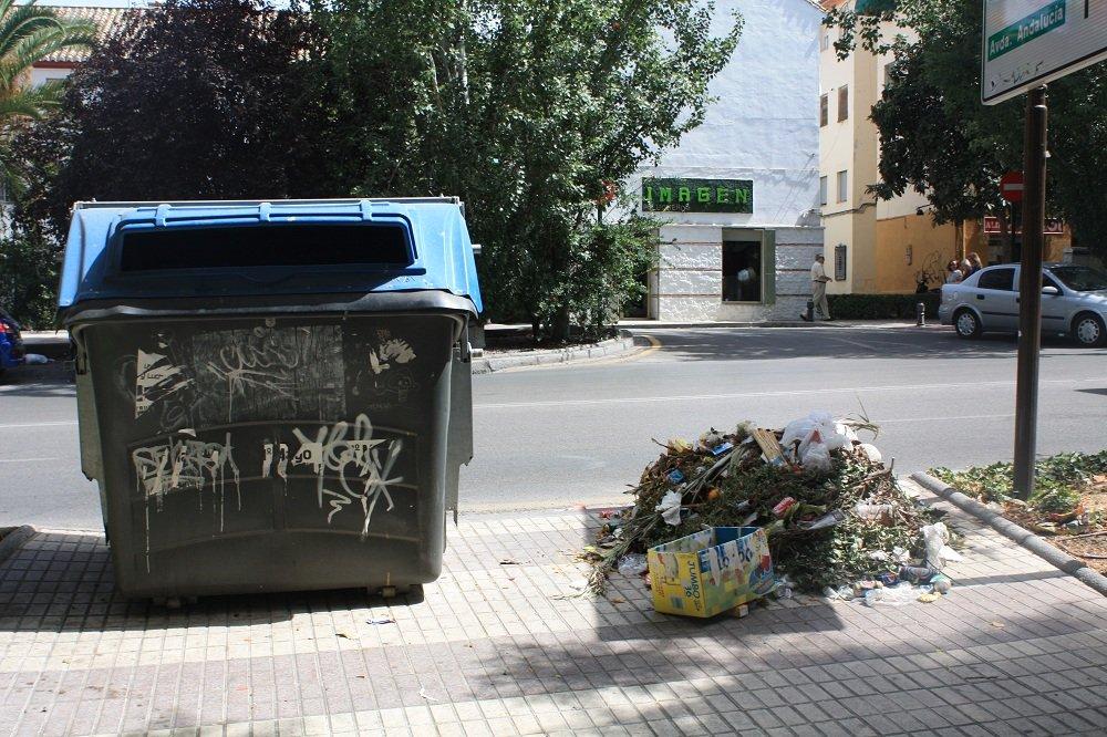 Contenedores de basura Chana