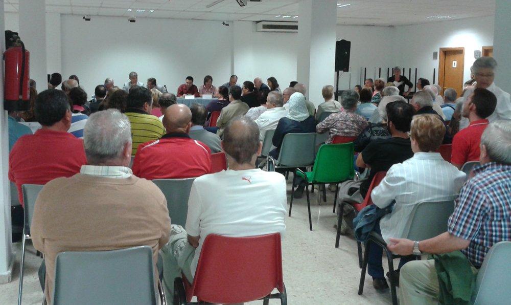 Más de 100 personas han acudido a la Junta Municipal de Distrito de octubre.