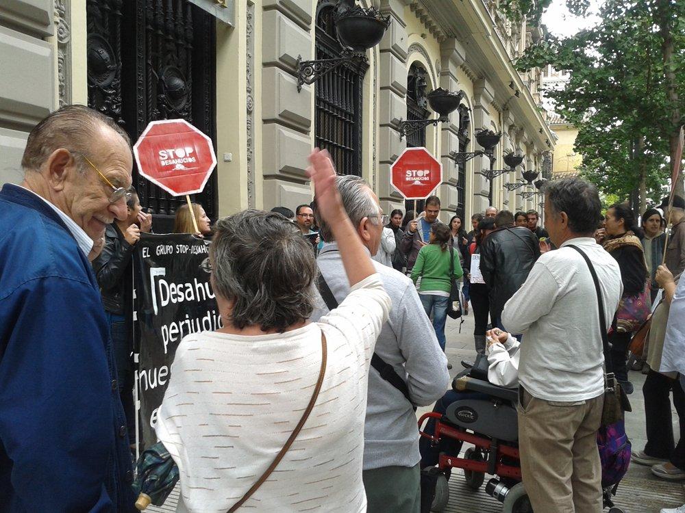 Stop Desahucios ocupa el Santander