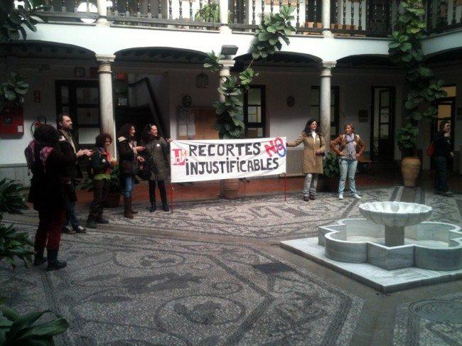 Trabajadores del Centro de Lenguas Modernas a favor de la, Huelga General en Granada