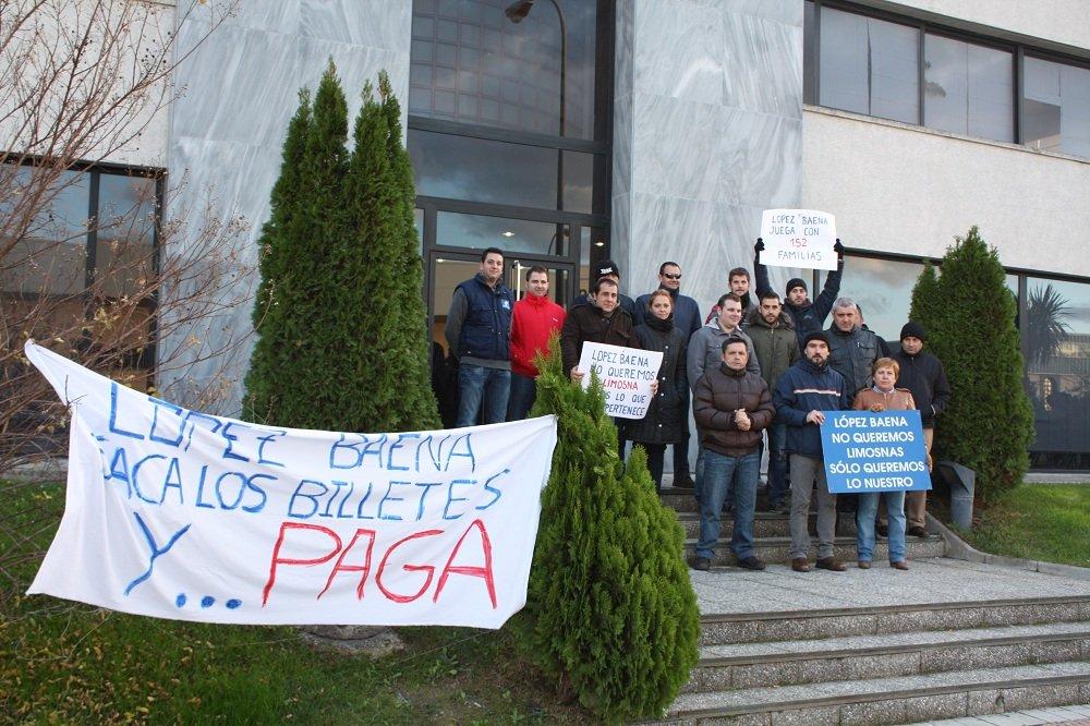 Trabajadores afectados por el ERE de López Baena