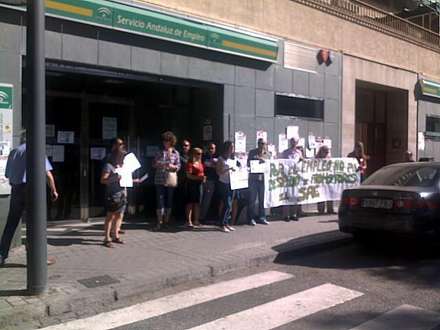 Protesta contra el desmantelamiento del sae - Oficina empleo granada ...