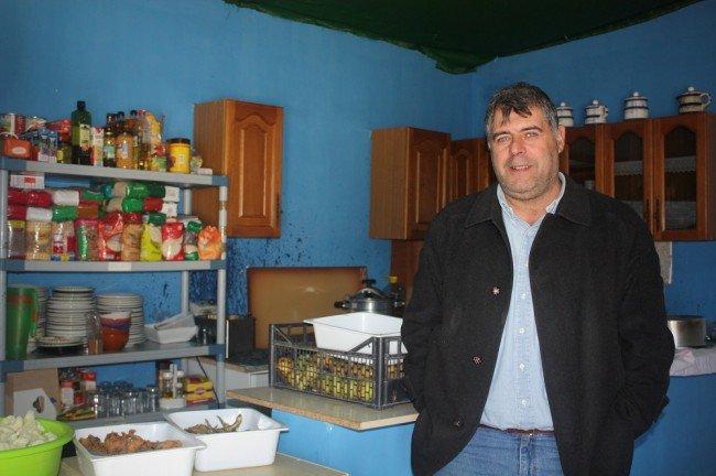 Ramón Fontela, en el comedor social de la Chana