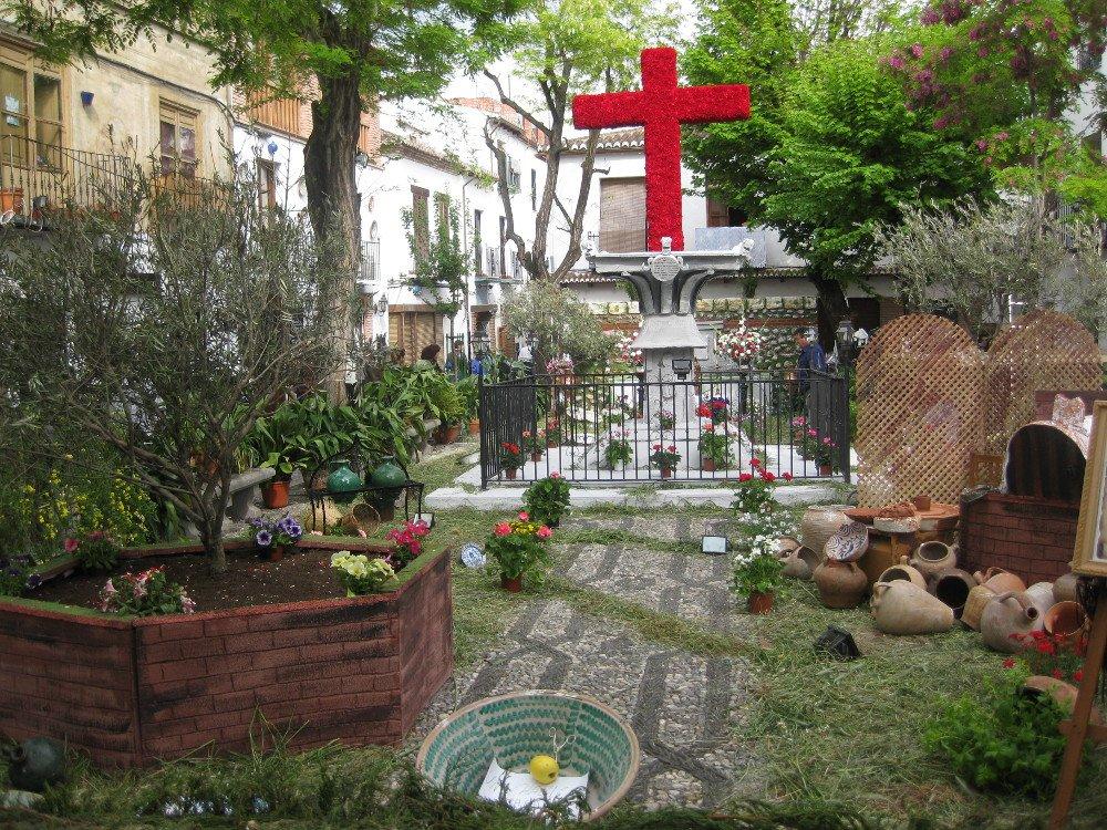 Cruz-Plaza-Larga