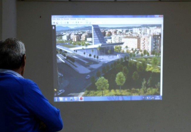 Presentación a los vecinos del Cerrillo de Maracena de un boceto de la estación del AVE