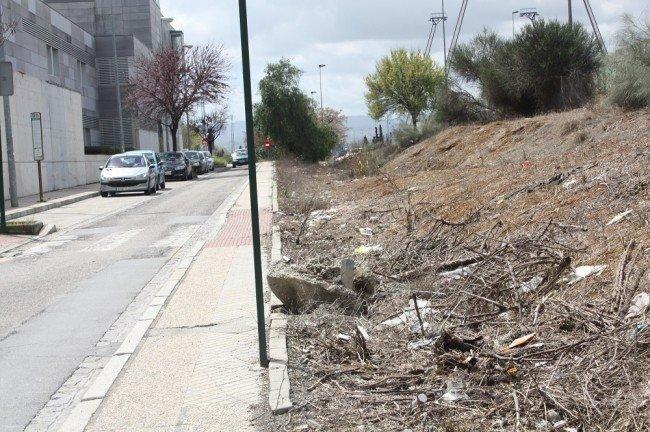 Acceso al Cerrillo de Maracena por calle Párraco José Rodríguez